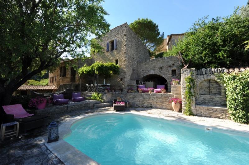 Maison de village avec terrain et piscine à vendre dans le Luberon