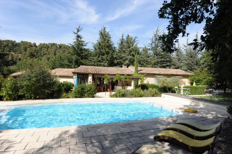 Maison à vendre en Luberon avec dépendance et piscine