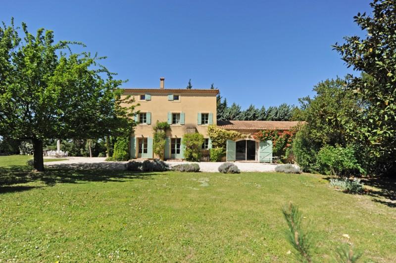 Mas rénové en bordure de Sorgue en Provence