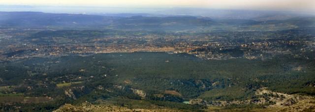 Aix, vue aérienne depuis la Sainte Victoire
