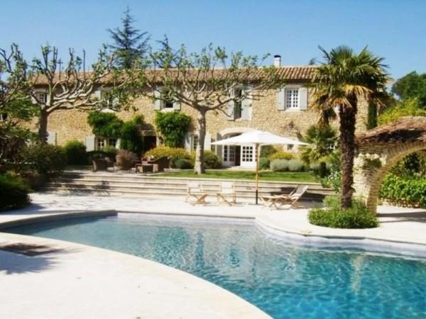 Authentique mas Provençal dans le village pittoresque de Cabrières d'Avignon