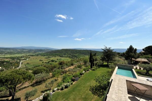 Vue superbe sur la vallée de Gordes et du Luberon